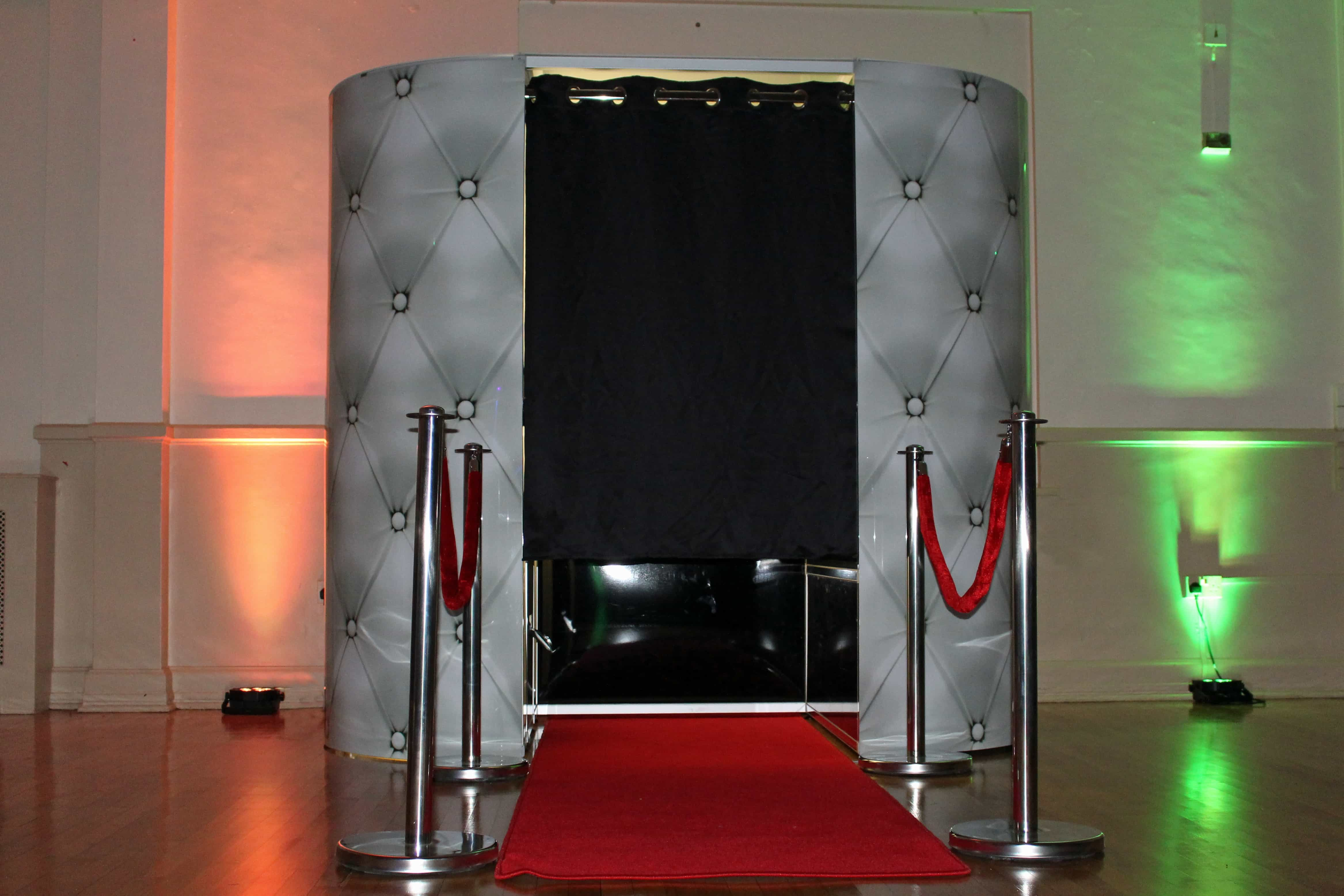Exhibition Stand Hire Kent : Video booth hire london kent south east