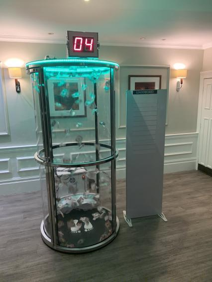 Cash Grabber/Grab a Grand Token Collecting Game Hire